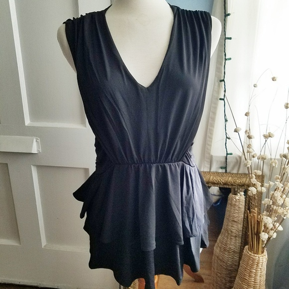 VENUS Tops - NWOT - Ruffled Black Beauty Sleeveless Tunic